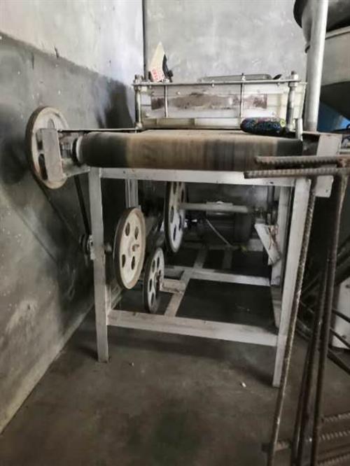 豆腐機器,用了半年,現在不干了便宜處理了!