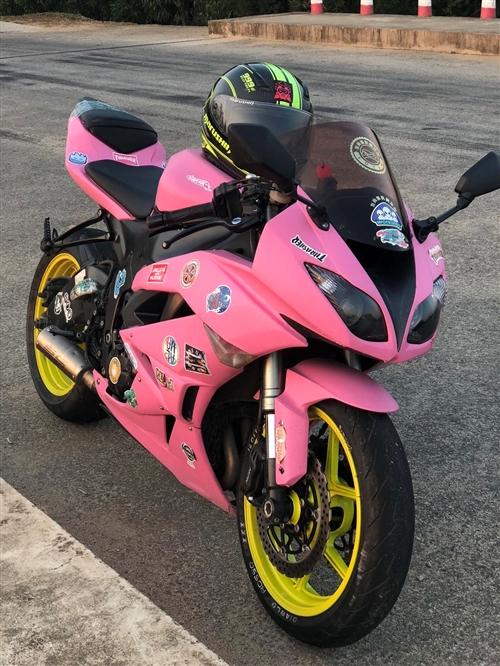 转让川崎636价格2.75W粉色是贴的战斗灰是板漆[得意]
