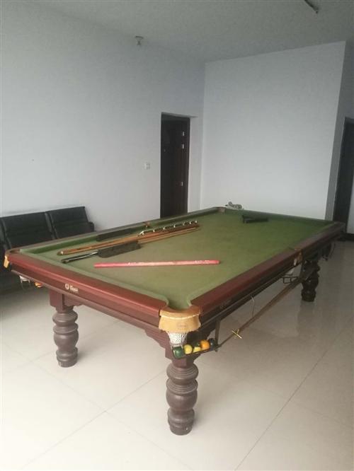 原价一万二千元,亚林牌大理石台面台球桌,低价三千元出售