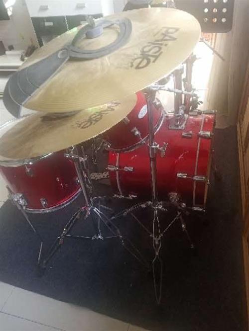 专业架子鼓,德国DC3,**,现低价出售,有意者可联系13893760069