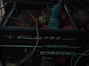 十干瓦柴油发电机三台,切路机一台,绞磨机一台3台的手提电焊机4台大电容的等电器有意看货价格面议,电1...