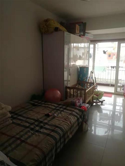出售自家樓房,地址貴和華城一期,價格面議,電話?? :15165939983
