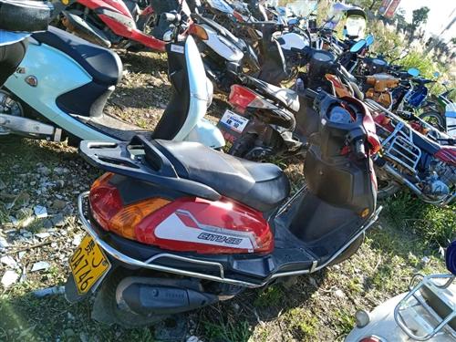 二手機動踏板車,錢江牌,七成新,新車價4980,現低價轉售1500