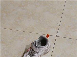 肯德基拿错小孩鞋子
