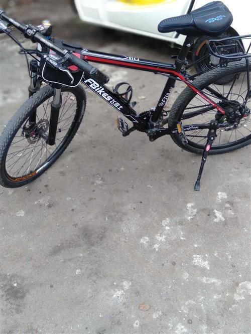 转让山地自行车八成新