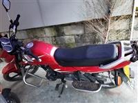 出售五羊本田125摩托车,2015年购买,发?#20493;?#26377;,保险2020年10月到期,4万多公里,自己用的非...