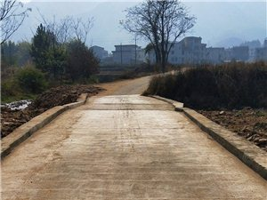 洪灾后杨村重建工作,终于已经开始了重建工作