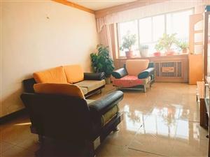 水务局家属楼3室 2厅 2卫(带地下室)