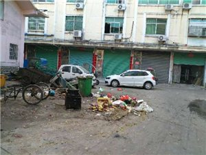 水东市场被卖鸡鸭与杀鸡鸭的严重干扰了周围的住户,