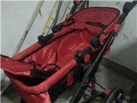 紅色嬰兒車,八成新,原價三百多元。買大送小,送一輛綠色學步車。有意向者可抓緊聯系?,F價99元。