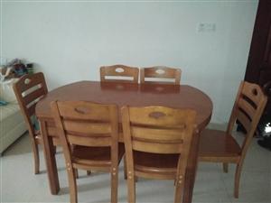 本人因搬家,�c新家�b修�L格不搭,故出售功能餐桌,八九成新,�r格1200元,有意者�系15270397...