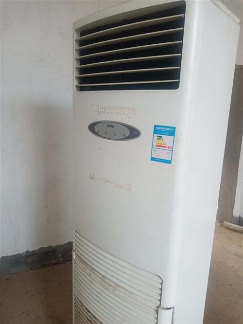 出售一台2016年三项5P海尔柜式空调一台