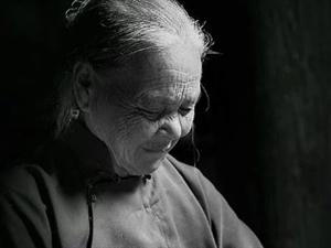《母亲的葬礼》文/刘根屯