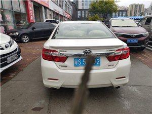 2012款豐田凱美瑞。