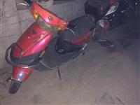有個二手小鳥電動車摩托款當自行車款低價出售,車況中等,不是新的看清楚打電話,售出不退換,誠心的價錢好...