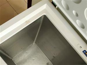 海尔冰柜,95成新,老人购买未使用几次,一直闲置现出售。诚心诚意买电话咨询。18143667555