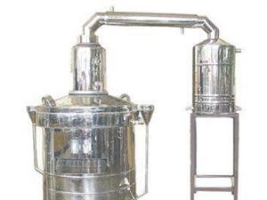 一本机械烤酒设备一套,50公斤的,可以烤酒,蒸胡辣汤……等,一机多用。懂的来电。