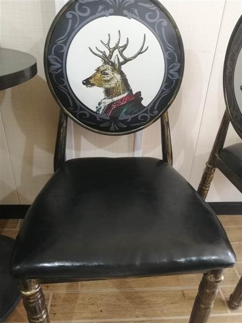 门市转让,出售二手椅子,9成新。两岸咖啡对面下行150米左右。