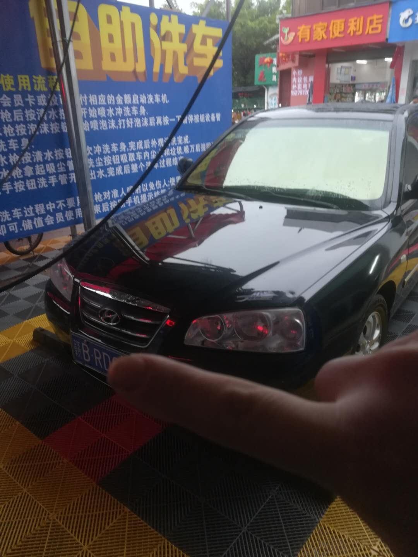 此车低价出售,已年审行驶里程七万七千公里,车况八成