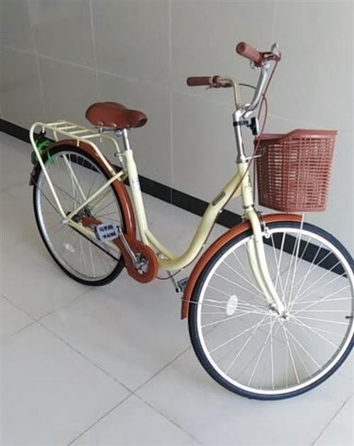 現有8成新自行車(很少騎)半價出: 鳳凰牌自行車(單速、米白款、26寸)1臺,210元出,僅支持自...