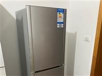 因要搬新家,家里的冰箱和洗衣機甩賣,適合租房用!價格一共600元。有需要聯系