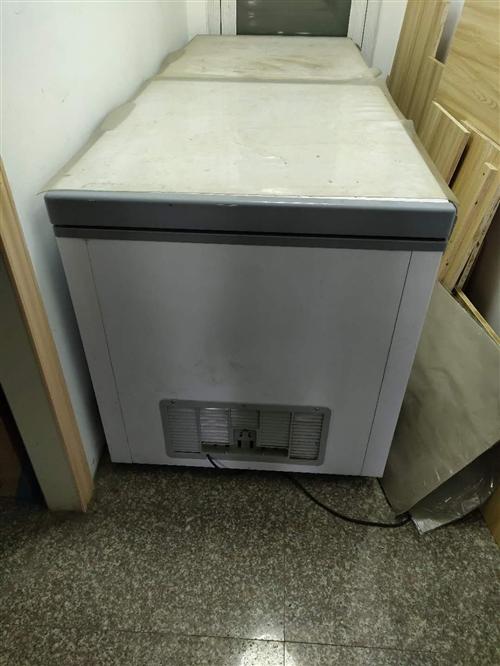 冰柜出售。双门制冷快。只用了3个月9成9新 地址四小侧门生活驿站