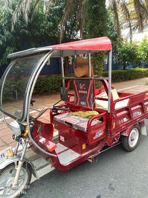 转让电动三轮车只有4个月的车龄,车厢长:1.5米,宽1米,不怎么使用,32安5个大电池可以安装两组电...