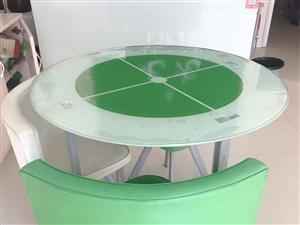 二手茶�滓惶邹D�,原�r400多�I的,用了一年,很新,有四��凳子。�F200元低�r�D,要的�s�o�系。