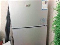 二手志高冰箱转让,去年夏天实体店800多元买的,保修,现半价转让。要的尽快联系我!。