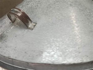 八成新气巴馍机,可做气巴馍可做水煎包子,一次可做100个左右水煎包