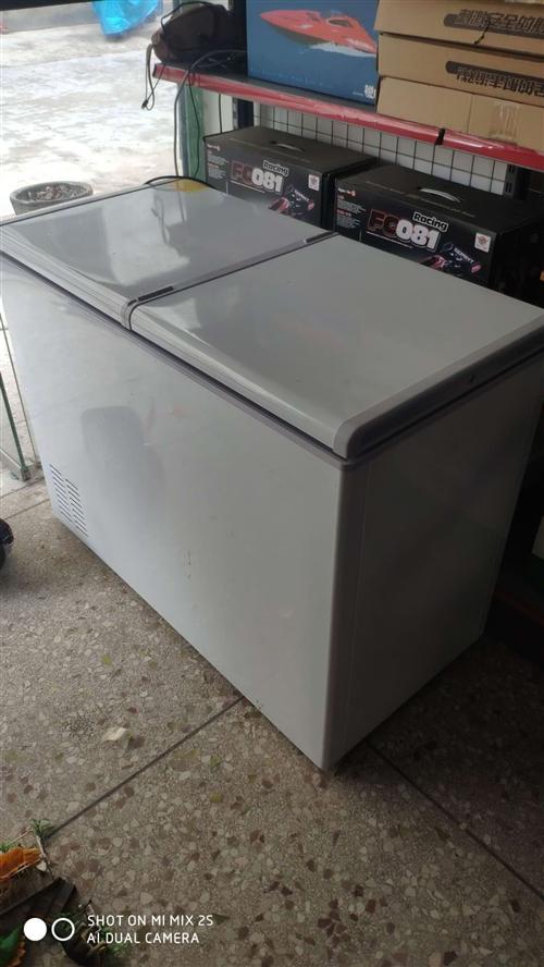 閑置冰箱一臺,9.9成新,買來沒用幾天就放著了,雙溫的,低價出售
