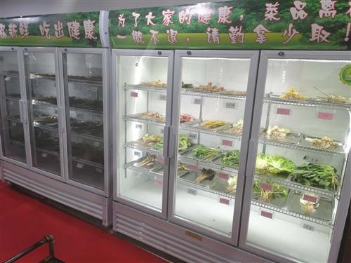 多余两个菜品展示柜,要的联系9成新的