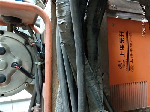 家有二保焊一套,不经常使用,八成新。有意者面谈。 地址:民俗村广场北隔壁汽修城院内