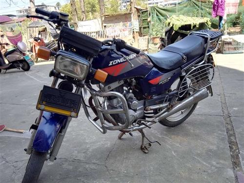 两轮双排气管,宗申125一36型摩托车。质量可靠,闲置太浪费转买给需要的人。