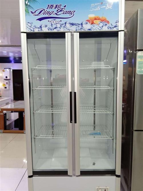 求购。一台展示柜。一台配菜台