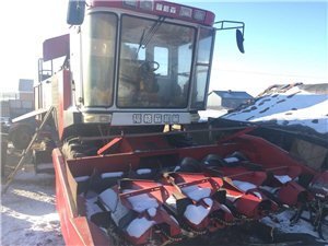 出售五行新型玉米收割機
