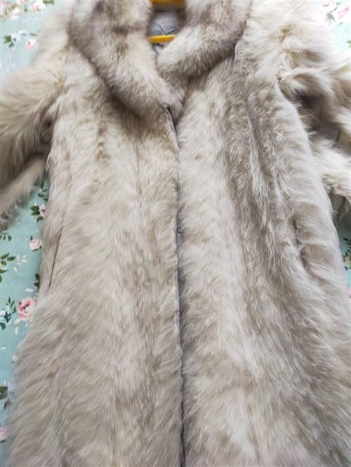 白色银狐过膝盖大衣便宜处理800