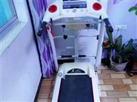 出售億健中大型跑步機帶自動升降,心率感應.MP3,瘦肚子振動器,觸摸屏,坡度升降,需要的聯系1582...