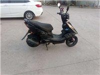 踏板摩托車,耗油量小,提速快,沒有跑多少里程,閑置自用,八成新,價格面議!電話13636814404