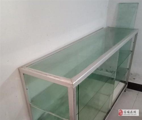 处理库存实木折叠餐桌、升降椅及二手玻璃柜