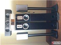 主音箱2个,环绕2个,中置1个,功放1个,连接线1套(原装),送(DTS)CD若干。